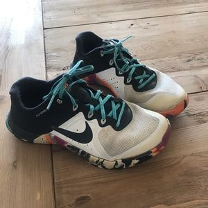 Nike Metcon 2 Used White/Multicolored bottoms 7.5